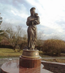 Пам'ятник матері Т.Г.Шевченка у селі Моринці Звенигородського району