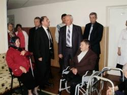 Фоторепортаж. Валерій Черняк ознайомився з матеріально-побутовим забезпеченням Звенигородського будинку-інтернату для інвалідів та престарілих.