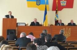 На сесії Катеринопільської районної ради депутати вирішили фінансові питання та обговорили суспільно-політичну ситуацію