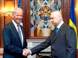 Олександр Турчинов й Джозеф Байден обговорили поточну ситуацію в Україні