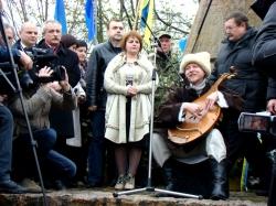 Фоторепортаж. На Чигиринщині вшанували козаків-холодноярців та героїв Небесної Сотні.