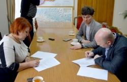 Валентина Коваленко та представники Громадської ради при обласній раді підписали Положення про співпрацю
