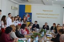 Валентина Коваленко привітала учасників Всеукраїнської науково-практичної конференції, присвяченої діяльності Олександра Захаренка