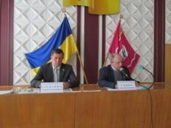 Зміни до бюджету, підвищення енергоефективності, розвиток дорожньої інфраструктури, реконструкція, ремонт та утримання автомобільних доріг були в центрі уваги депутатів Черкаської районної ради