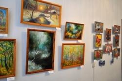 Виставку молодої черкаської мисткині Руслани Голуб презентує художній музей обласної ради